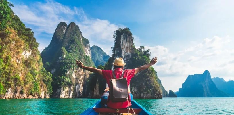 Tourism is recovering: online travel sales increased by 42%