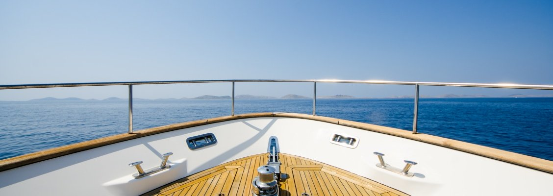 Yacht Cruises In Dubai : How To Get The Best Deal?